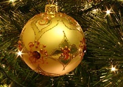 800px-Christmas_tree_bauble.jpg