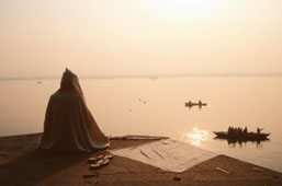 L-18-1801-pilgrim_praying__varanasi__india-Z00D7BK2.jpg