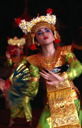 L-11-1176-one_of_the_legong_dancers_competing_in_school_competitions_at_the_arts_centre__denpasar__indonesia-Z000UCGI.jpg
