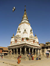 L-21-2172-the_shikra_style_temple_that_is_the_winter_residence_of_the_rato_machendranath__bungamati__nepal-Z00DCW7B.jpg