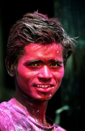 L-16-1600-portrait_of_holi_festival_reveller_after_day_of_throwing_coloured_powder__pushkar__india-Z00DF6U1.jpg