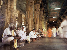 L-21-2149-entrance_hall_east_gate_to_the_sri_meenakshi_temple__madurai__tamil_nadu_state__india-Z00DC16Z.jpg