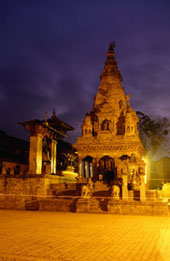 L-12-1278-vatsala_durga_temple_on_durbar_square_at_night__bhaktapur__nepal-Z000TNCD.jpg