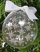 a_Sparkling_Snowflakes_Christmas_Tree_Ornament_330.jpg